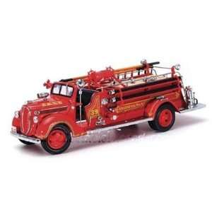 1938 Ford Fire Engine 1/24 Red Toys & Games