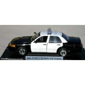 Motormax 1/18 Black & White Ford Crown Vic Police Car Toys & Games