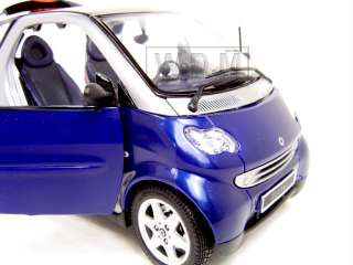 SMART FOR TWO BLUE DIECAST CAR MODEL 1/18