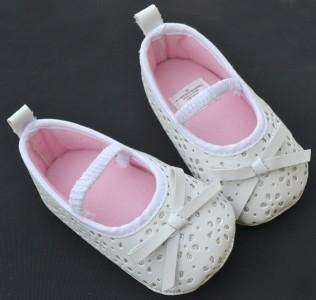White Mary Jane bows toddler baby girl shoes size 2 3